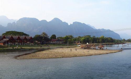 Zdjęcie LAOS / Laos północny / Vang Vieng / widok na rzekę Song
