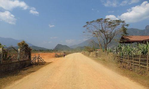 Zdjęcie LAOS / Laos północny / okolice Vang Vieng / laotańskie drogi