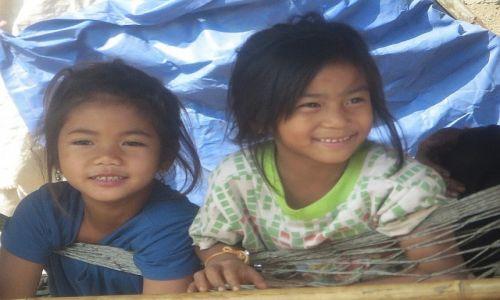 Zdjęcie LAOS / Laos północny / trasa Vientiane - Vang Vieng / mali Laotańczycy