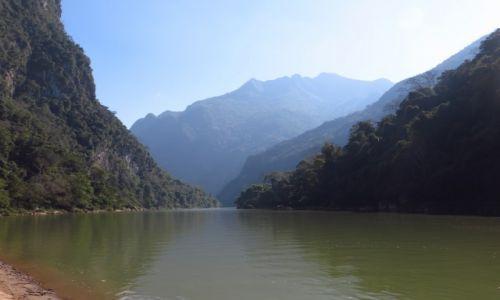 Zdjęcie LAOS / Laos północny / okolice Nong Khiaw / przełomy rzeki Ou