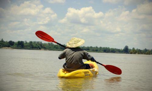 Zdjecie LAOS / 4 Thousand Islands / Mekong w okolicach Don Det / Kajakarz na Mekongu