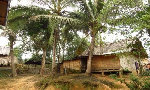 Zdjęcie LAOS / Laos północny / wioska Ban Hat Sao / wiejska zabudowa