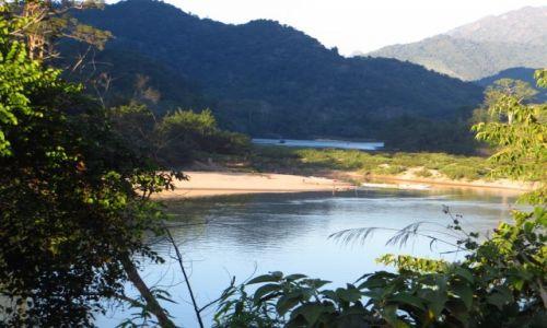Zdjęcie LAOS / Laos północny / Nong Khiaw / spacer brzegiem rzeki Ou