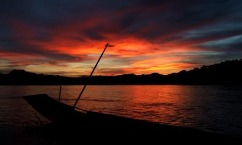 Zdjecie LAOS / brak / Luang Prabang / łodzie