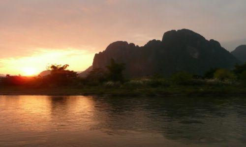 Zdjęcie LAOS / - / Van Vieng / Zachód słońca