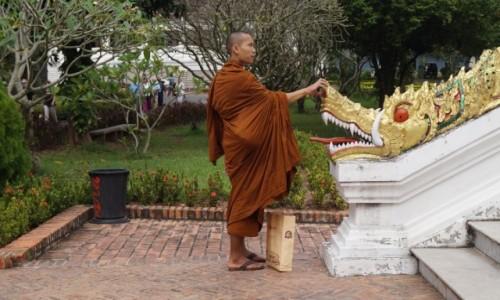 Zdjęcie LAOS / Louangphrabang / Louangphrabang / Zakupy i modlitwa