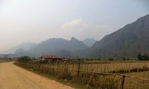 LAOS / prowincja Wientian / Van Vieng / w drodze