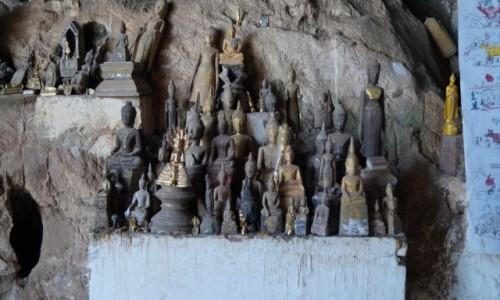 Zdjecie LAOS / Louangphrabang / Jaskinie na północ od Louangphrabang / Wiekowe figurki