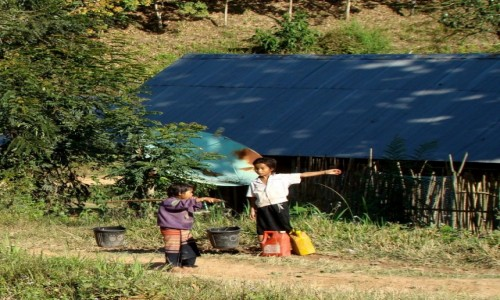 Zdjęcie LAOS / Południe / wioska / Słuchaj starszego