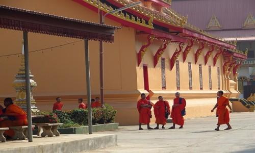Zdjęcie LAOS / Laos północny / Vientiane / poranek w klasztorze