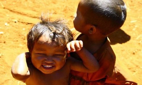 Zdjęcie LAOS / brak / Bolaven / Mali  mmieszkańcy płaskowyżu2