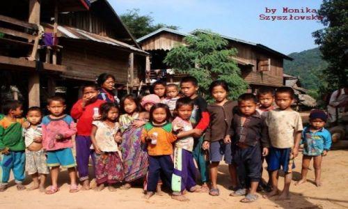 Zdjecie LAOS / brak / Wioska etniczna / dzieciaki lubia
