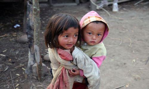 Zdjecie LAOS / brak / Nong Khiaw / Starsza siostra