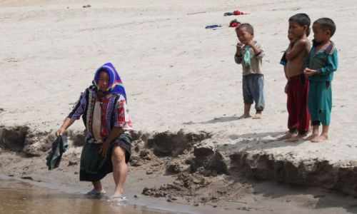 Zdjecie LAOS / brak / gdzieś na Mekongu w drodze do Louangphrabang / przy Mekongu