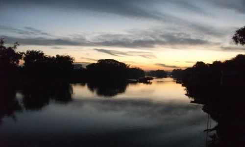 Zdjecie LAOS / Si Pa Don... kraina 4000 wysp... rzeka Mekong.... / rzeka Mekong / ... blady (jeszcze) świt ....