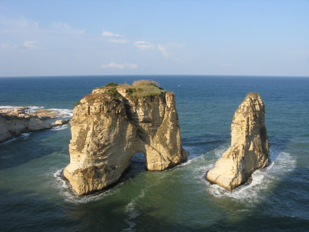 Zdjęcia: Bejrut, Symbol Bejrutu -gołębie skały, LIBAN
