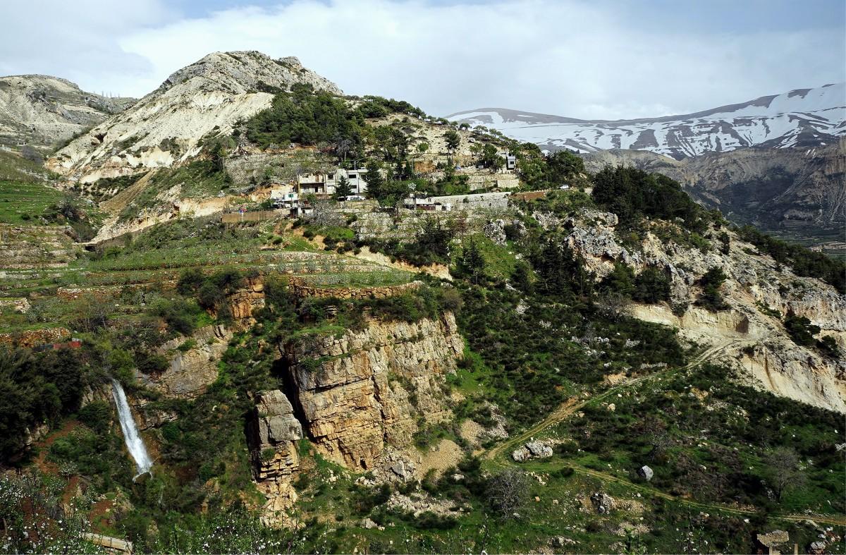 Zdjęcia: ., Bszarri, Krajobraz z wodospadem, LIBAN