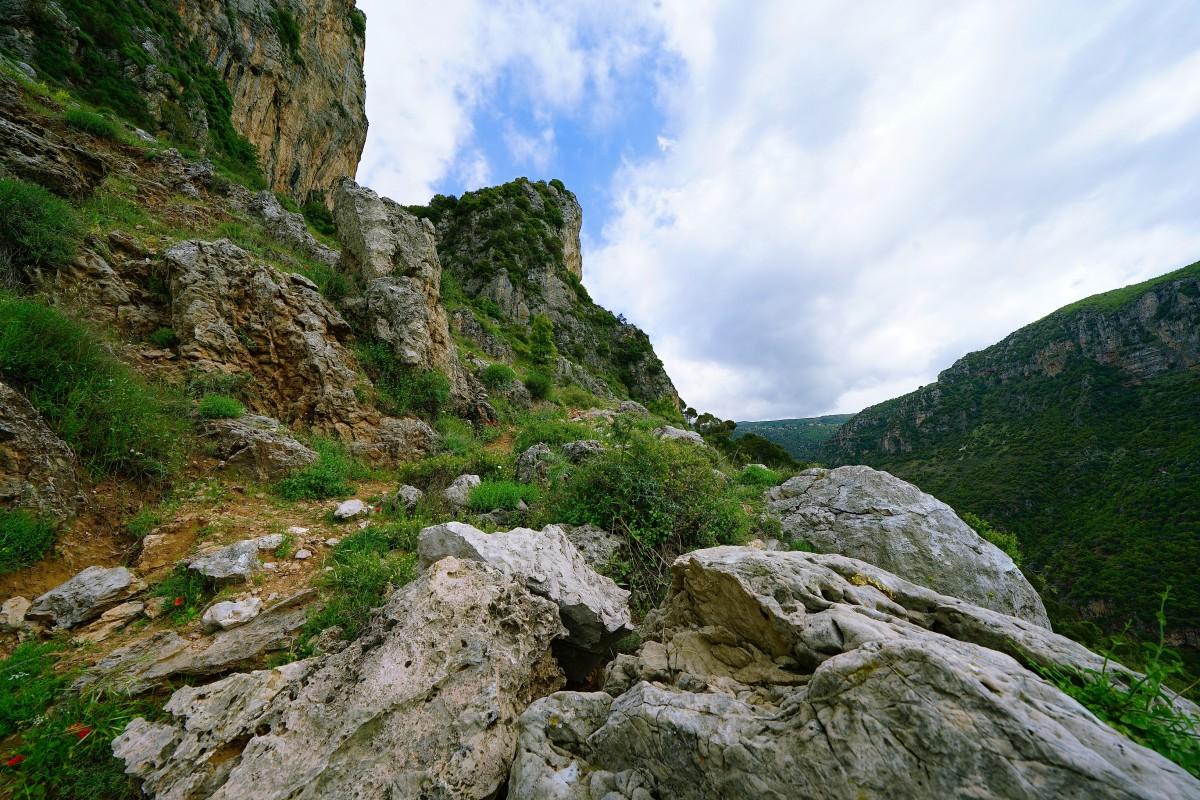 Zdjęcia: Dolina Kadisha, Liban Północny , Czasem w górę czasem w dół, LIBAN