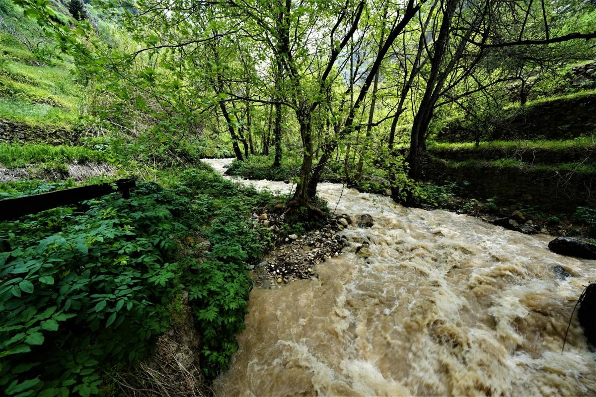 Zdjęcia: Dolina Kadisha, Liban Północny , Wartka rzeka Kadisza, LIBAN