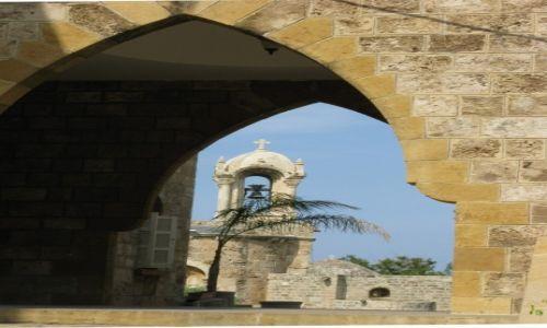Zdjęcie LIBAN / - / Byblos / Romański kościół w Byblos 3