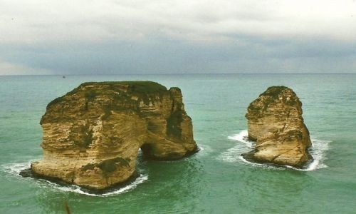 Zdjęcie LIBAN / Stolica  / Bejrut / Gołębie skały
