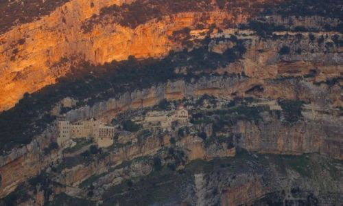 LIBAN / brak / Qadisha Valley / Zachód słońca nad Qadisha Valley