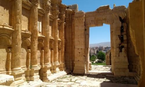 Zdjęcie LIBAN / Baalbek / Starożytne miasto hellenistyczne / Świątynia Bachusa