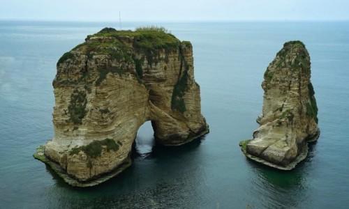 LIBAN / Bejrut / Raouche / Gołębie skały