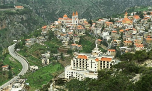 LIBAN /  Liban Północny /  Dolina Kadisha / Droga do Bsharre