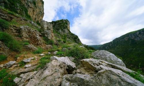Zdjecie LIBAN / Liban Północny  / Dolina Kadisha / Czasem w górę czasem w dół
