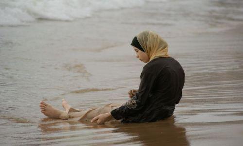 Zdjecie LIBAN / brak / Bejrut / zabawa piaskiem