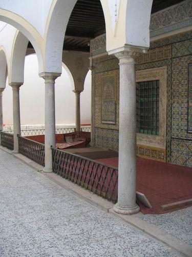 Zdjęcia: Trypolis, Trypolitania, Dziedziniec meczetu, LIBIA