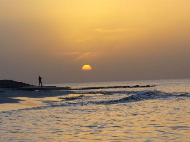 Zdjęcia: jakaś nadmorska miejscowość, nad zatoką, wieczór, LIBIA