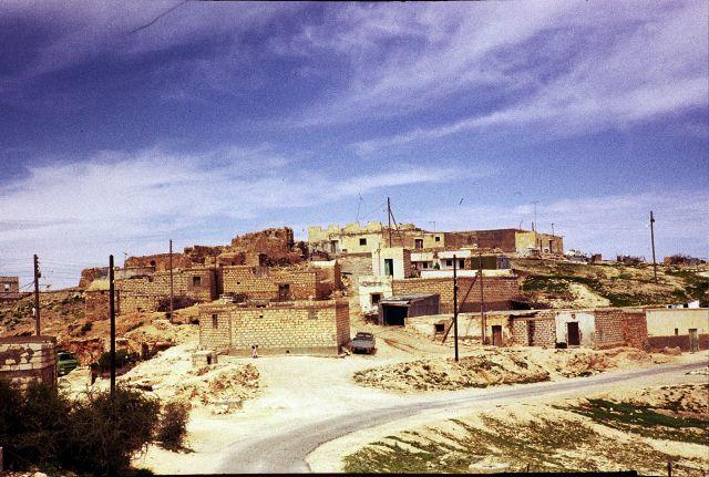 Zdj�cia: okolice  Gharian, trypolitania, wioska w g�rach, LIBIA