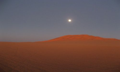 Zdjecie LIBIA / Sahara / Murzuk / Księżyc nad Diu