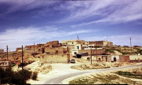 Zdjęcie LIBIA / trypolitania / okolice  Gharian / wioska w górach