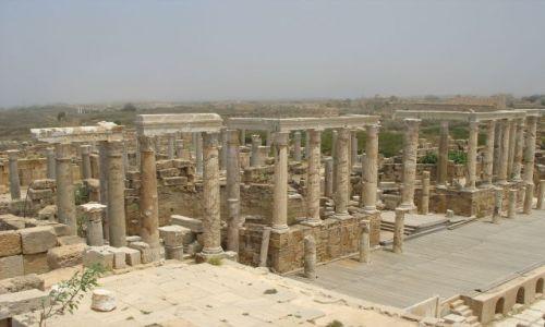 Zdjęcie LIBIA / Leptis Magna / Leptis Magna / Dawna świetność we mgle z morza