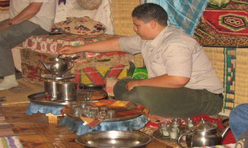 Zdjecie LIBIA / okolice Al Chums / Libia / zapraszamy na herbatke libijska