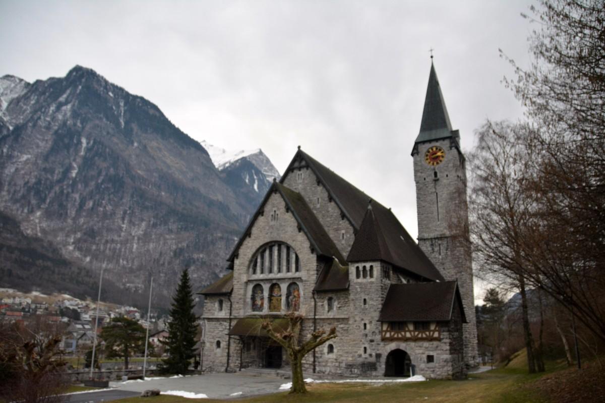 Zdjęcia: Balzers, Oberland, Kościół św. Mikołaja i Marcina, LIECHTENSTEIN