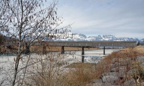 Zdjecie LIECHTENSTEIN / Oberland / Vaduz / Drewniany most