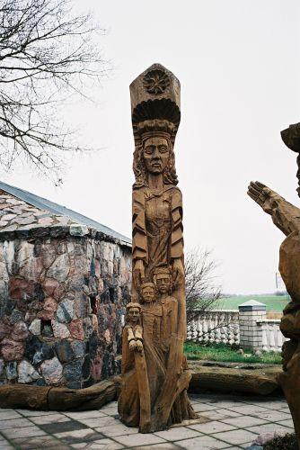Zdjęcia: Przy glównej trasie północ połódnie., Srodek kraju, Rzezba, LITWA
