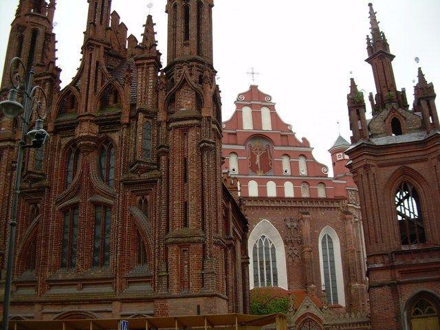 Zdjęcia: kościoły św. Anny i św. Franciszka i Bernardyna, Wilno, Historia sztuki w jednym miejscu, LITWA