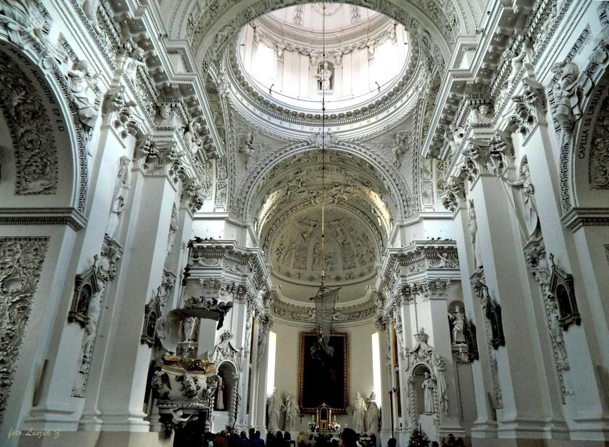 Zdjęcia: Wilno, Wilno., Wilno - wnętrze kościoła św. Piotra i Pawła., LITWA