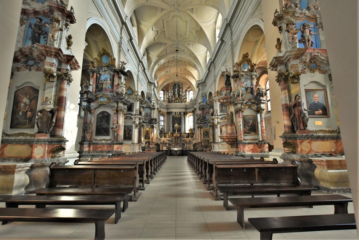 Zdjęcia: Wilno, Pojezierze Wileńskie, Wilno, Kościół Wszystkich Świętych i klasztor karmelitów, LITWA