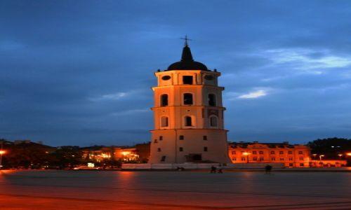 Zdjęcie LITWA / Litwa / Wilno / Wilno nocą