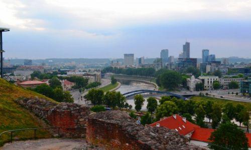 Zdjęcie LITWA / okręg wileński / Wilno / Wilno przed nocą