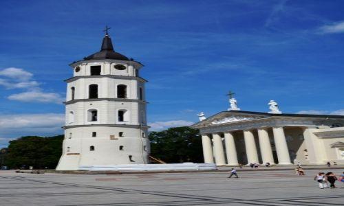Zdjęcie LITWA / Podlaskie / Wilno / Na placu katedralnym
