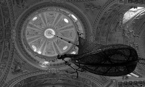 Zdjęcie LITWA / ... / Wilno / W kościele Piotra i Pawła