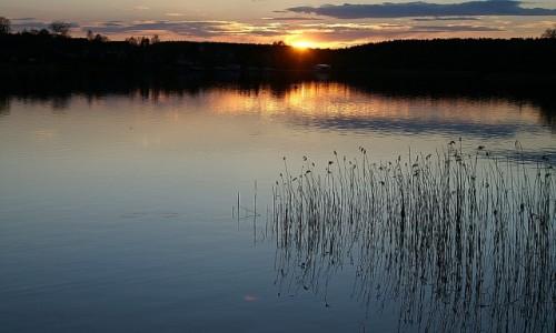 Zdjęcie LITWA / okolice Wilna / Troki / zachód słońca nad jeziorem