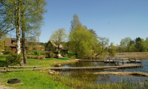Zdjęcie LITWA / Auksztocki Park Narodowy / Ginuciai / wiejski staw